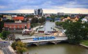 Trzy projekty przebudowy przeprawy przez Odrę w mieście stu mostów