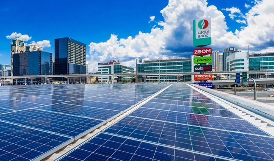 W Dubaju nawet stacje paliw zasila energia słoneczna