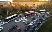 Chiny też chcą zakazać sprzedaży samochodów na benzynę i diesel
