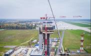 """Katowice: """"Koronacja"""" wieży kontroli lotów"""