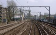 Londyn: Bloki nad liniami kolejowymi lekarstwem na brak gruntów