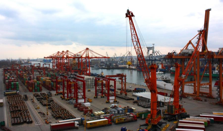 Gróbarczyk: 25 mld euro na gospodarkę morską w najbliższych latach