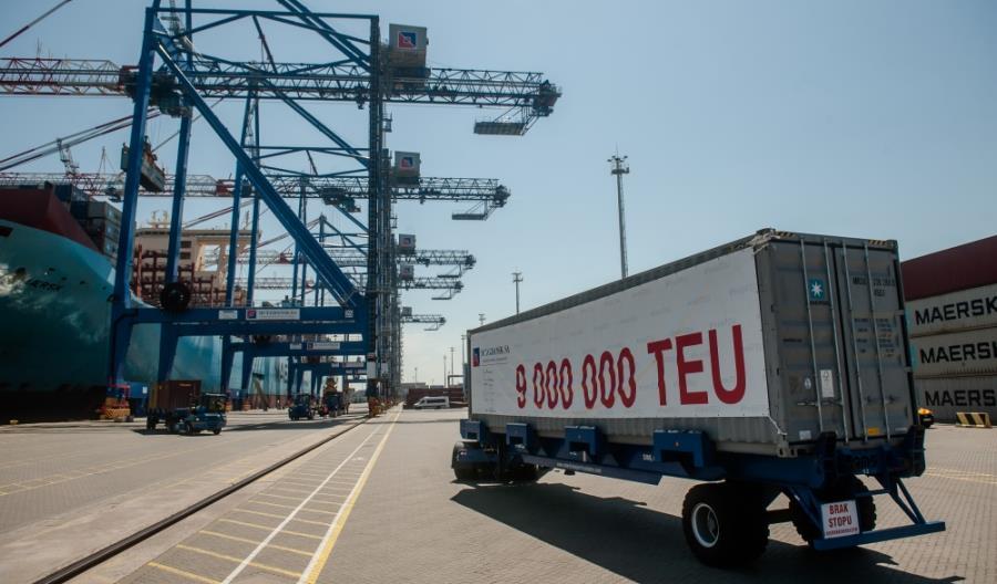 9 mln kontenerów przeładowanych przez DCT Gdańsk