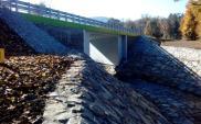 W Szymbarku stoi już nowy most. Po starym nie ma śladu