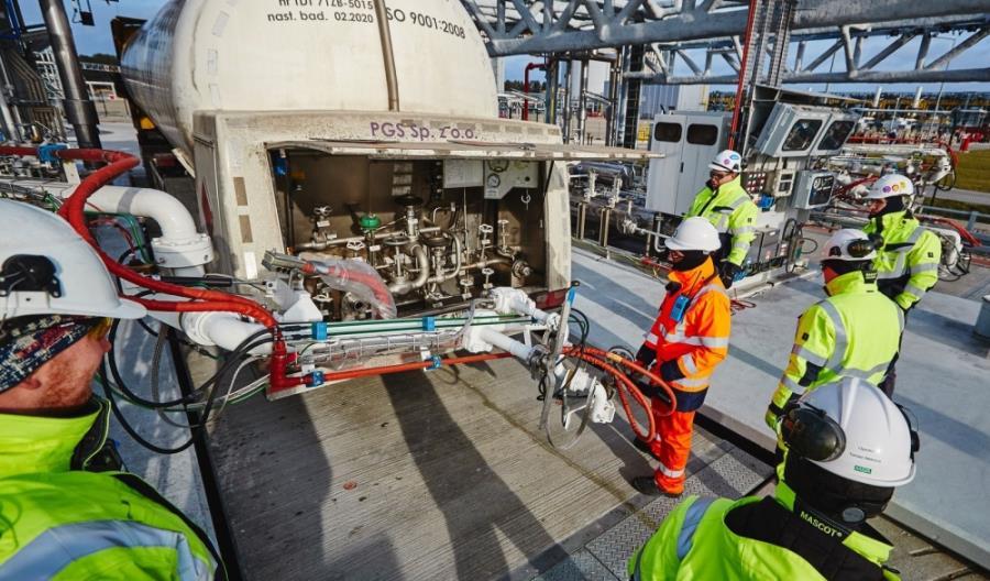 Polskie LNG wyprzedza europejską konkurencję