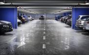 Miejsca parkingowe są drogie i wciąż drożeją