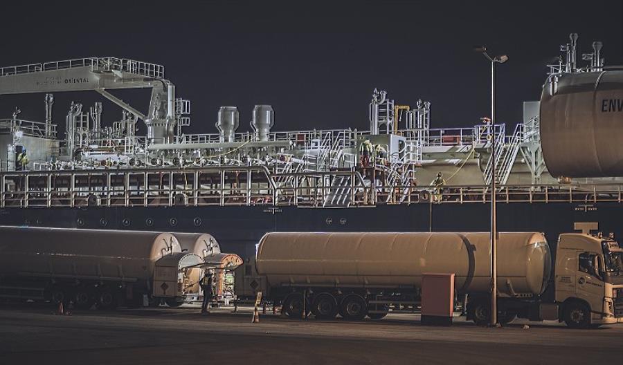 Pierwsze bunkrowanie LNG w polskich portach