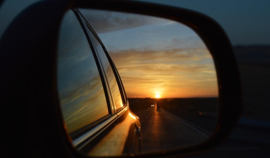 Startup z Niemiec po 3 latach sprzedaje już samochód elektryczny zasilany słońcem