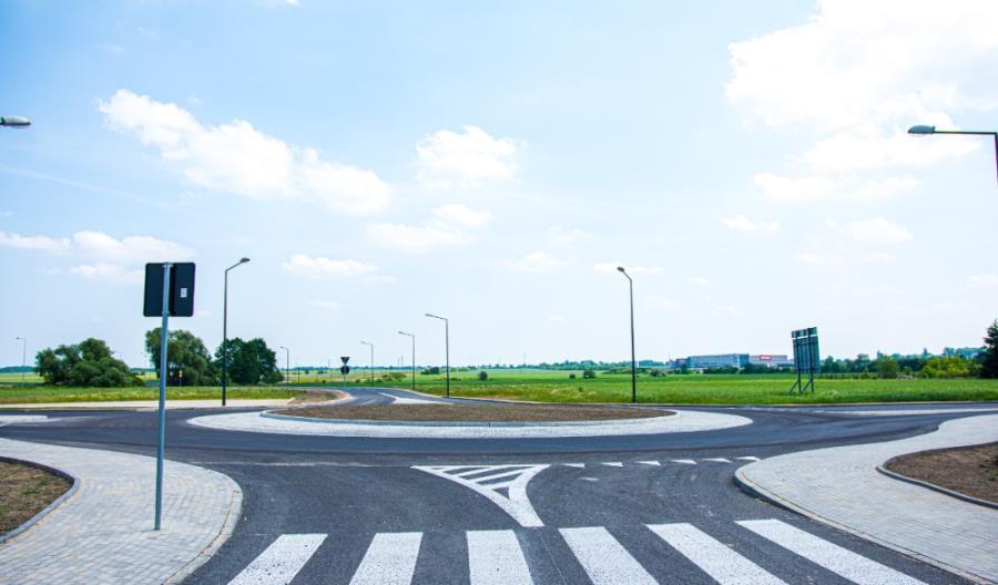 Łódzkie: Powstał nowy układ drogowy do strefy ekonomicznej w Ksawerowie