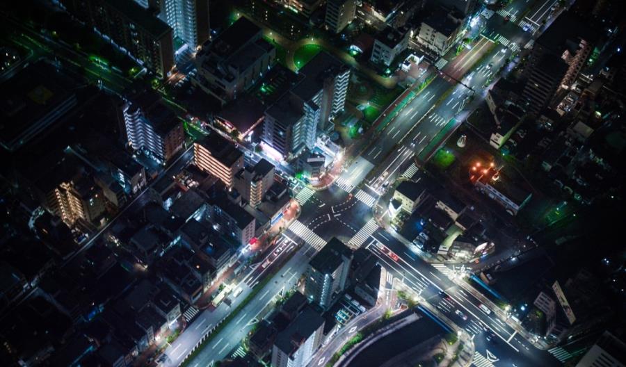 Komunikacja już wkrótce będzie przebiegać nie tylko pomiędzy samochodami, lecz także z infrastrukturą drogową