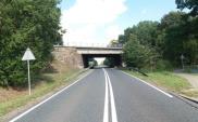 Zachodniopomorskie. Rozbierają stary wiadukt w Lisowie. DK-20 zamknięta