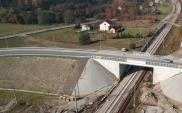 Wola Filipowska. Nowy wiadukt nad linią kolejową Katowice − Kraków