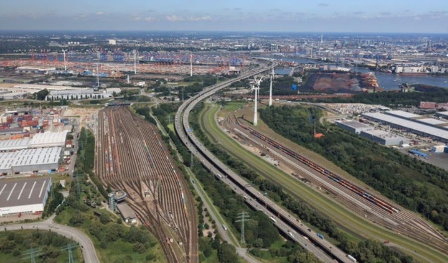 Port Hamburg. Dwucyfrowy wzrost w przewozach lądowych koleją