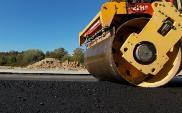 Czy obniżka cen asfaltu przełoży się na ceny budowy dróg?