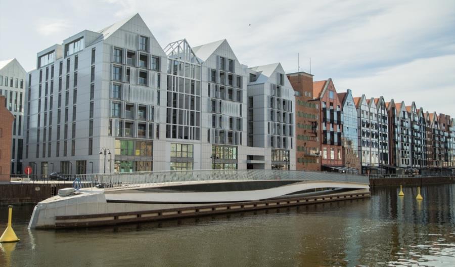 Gdańsk. Obrotowa kładka na Motławie oddana dopiero w wakacje