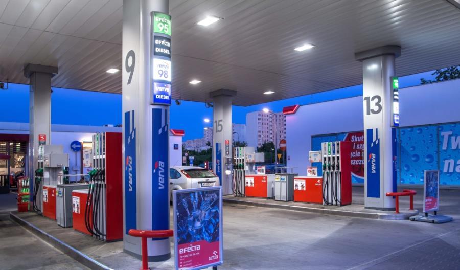 PKN Orlen. Cztery nowe stacje ładowania elektryków i aplikacja do planowania zasileń