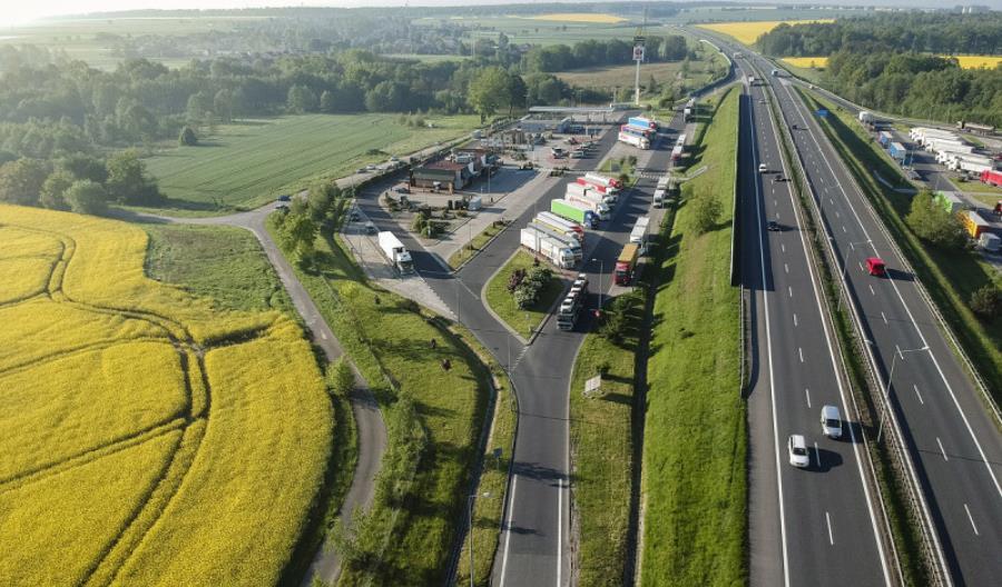 Powstaną stacje ładowania przy autostradach