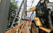 Trwają prace na moście w Toruniu. Postawiono rusztowania [film]