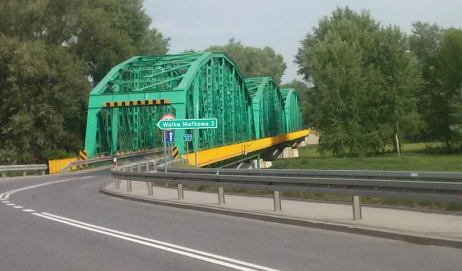Pięciu chętnych na remont mostu w Tryńczy