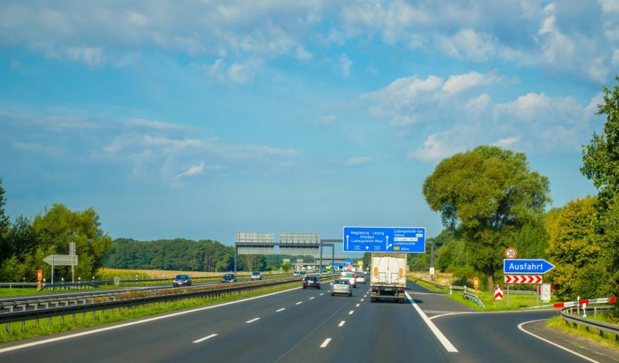 Polskie firmy zarabiają na elektromobilności i OZE w Europie