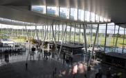 Czy na wrocławskie lotnisko będzie można dojechać koleją?