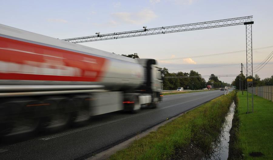 System viaTOLL wspomoże organy ścigania. Warunkiem rozbudowa sieci płatnych dróg