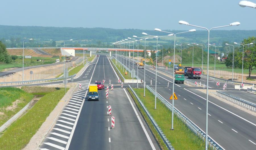 Będziemy budować 4,5 tysiąca kilometrów dróg