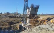 S7 Lubień – Rabka: Wznoszą się podpory mostów