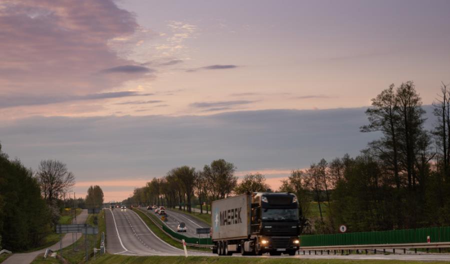 Ruch ciężarówek na drogach GDDKiA wyższy niż przed rokiem