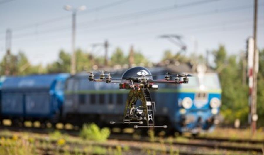 Dlaczego boimy się dronów