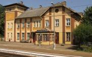Włoszczowa: Wyremontowany dworzec zamknięty od lat