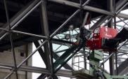Kraków: Pierwsze szklane elementy terminalu w montażu