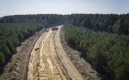 Trwają prace przy budowie kolei do lotniska w Szymanach