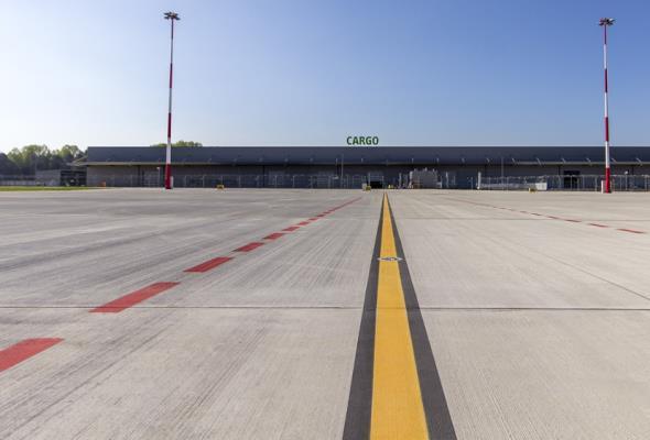 Kiedy koleją do lotniska w Pyrzowicach? MIB odpowiada