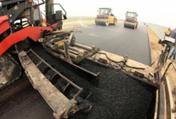 Polskie firmy nie budują dróg w kraju