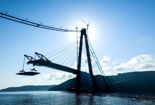 Jak powstał turecki kolos – czyli budowa Mostu Sułtana Selima Groźnego krok po kroku
