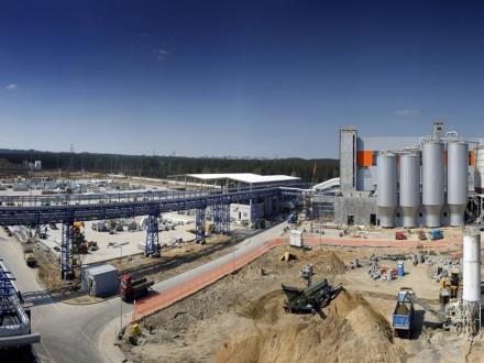 Elektrobudowa kończy I półrocze 2015 roku z dużym portfelem zamówień