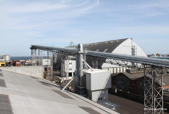 Gdynia: Stabilny poziom przeładunków w porcie