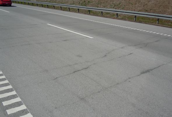 Instytut Techniki Budowlanej: Drogi betonowe trwalsze i tańsze od asfaltowych