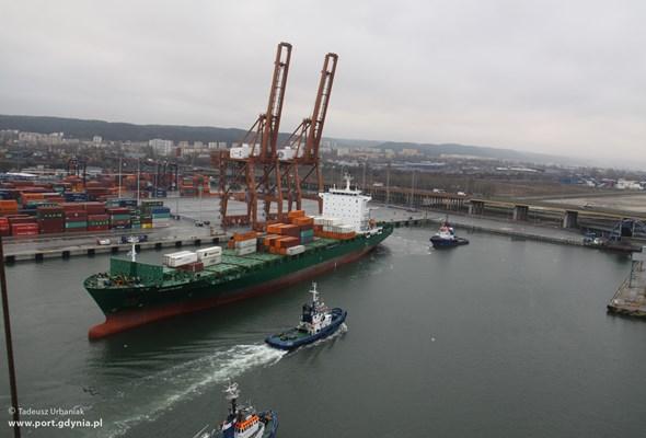 Port Gdynia: Pierwszy statek przy nowym Nabrzeżu Bułgarskim