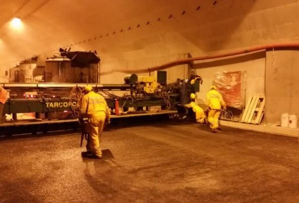 Gdańsk: Rusza asfaltowanie jezdni w tunelu T2