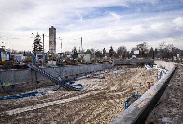 Warszawa: Prace na budowie tunelu w Międzylesiu idą pełną parą