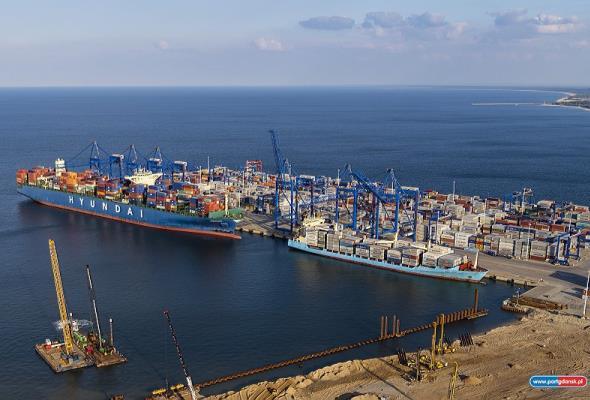 Port Gdańsk rekordzistą polskiej gospodarki morskiej w 2015 roku