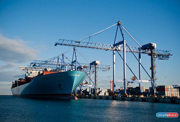 Port jako uniwersalny węzeł transportowy