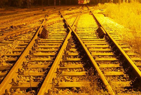 ZUE: Trzeba przyśpieszyć wydatki w branży kolejowej