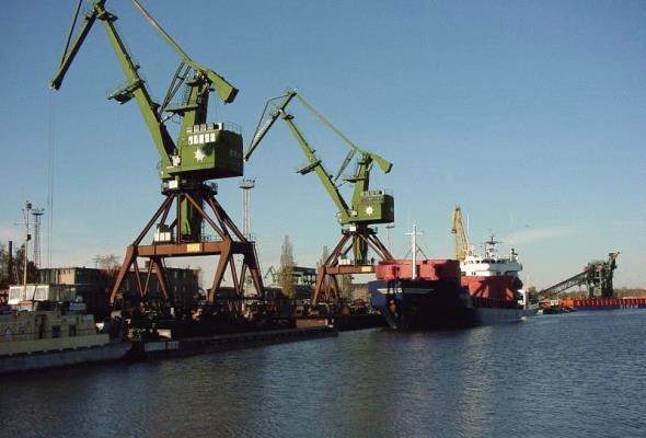 Mieszkańcy Świnoujścia rozmawiają o terminalu kontenerowym
