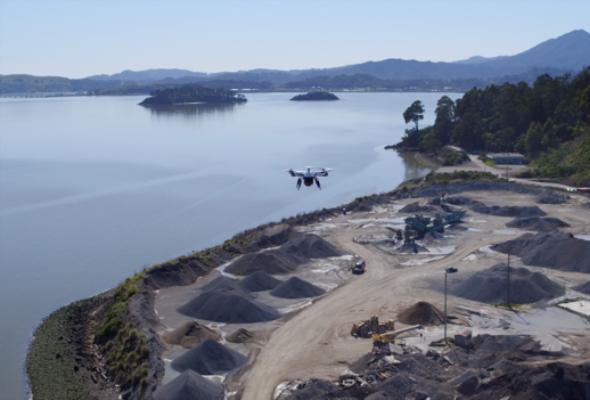 Drony: Miliardowe korzyści i poważne ryzyko
