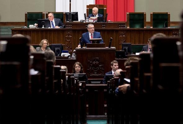 Adamczyk: Za rządów PO i PSL kilometr autostrady kosztował 14,2 mln euro