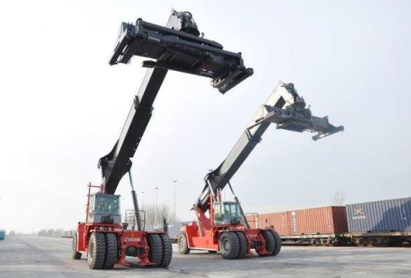 Chiny wychodzą z dołka? Poprawiają się statystyki transportowe
