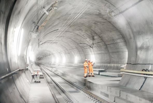Zasilanie i technologia w Tunelu Gotarda